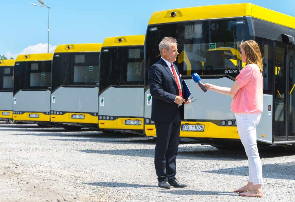 Tadeusz Chwast opowiada o 23 nowych autobusach i tablicy informacji pasażerskiej w Olkuszu
